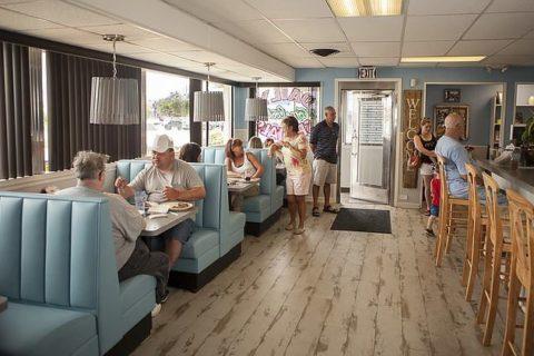 Dena's Diner